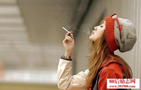 <b>不良少女杨纸:我也想温柔高贵,可是世界不给我机会!</b>