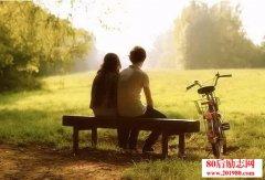 爱情,是一场与时光
