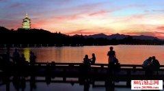 关于描写西湖的好词