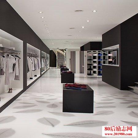 年赚50万的四川姑娘分享实体服装店创业经验  80后女大学生服装店创业的故事和创业感言