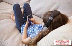 孩子玩手机怎么办?