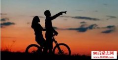 <b>幸福不是你能左右多少人,而是多少人在你的左右!</b>