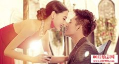 <b>婚姻情感里,女人要百变,男人才舍不得变</b>