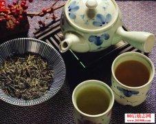 <b>茶悟人生:一茶,一书,一知己</b>