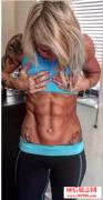 <b>31岁妈妈DIY健身练出6块腹肌</b>