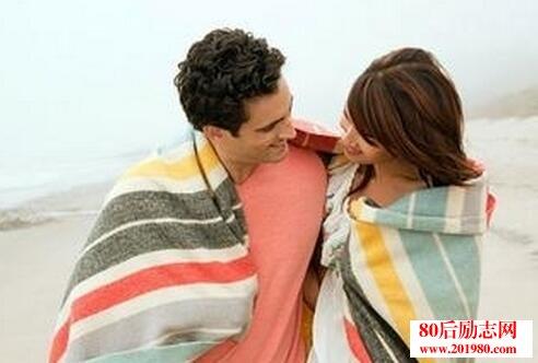 爱情与婚姻的区别是什么?精辟到可以各种套用!  爱情,亲情,友情,人生!理解的太透彻了!