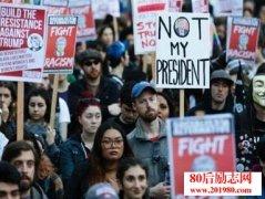 美国大学生抗议特朗