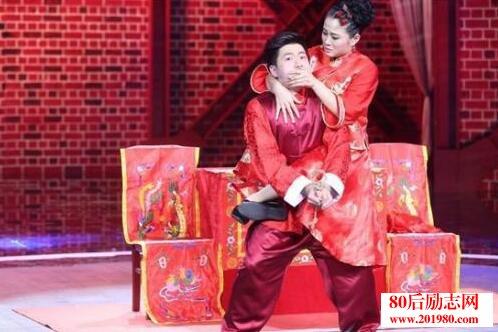 演唱:薛之谦   4、 小品(坦诚相见)表演:冯巩、林永健   5、 歌曲(