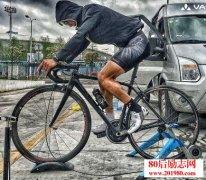 <b>一个90后大学生开自行车店的励志创业故事</b>