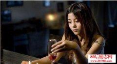 <b>张小娴:有些男人,注定不值得你的一往深情</b>